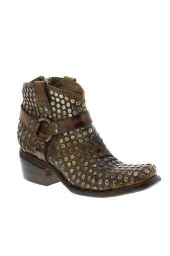 Damy / Boots Tobis