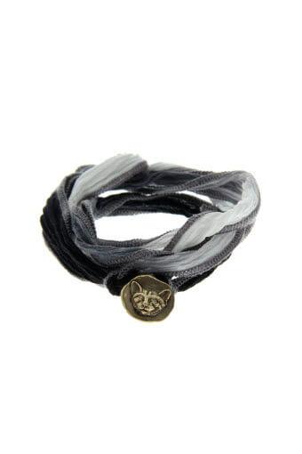 Catherine Michiels / Bracelet Lucky cat en argent sur soie tie & dye