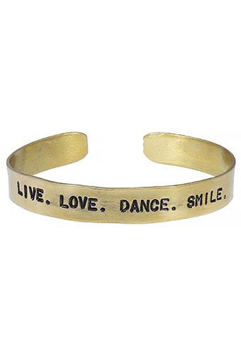 Atelier 7|12 / Jonc en laiton gravé Live. Love. Dance. Smile.